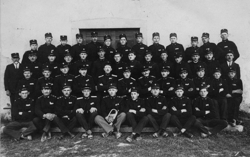Skupinska slika ob ustanovitvi društva leta 1928
